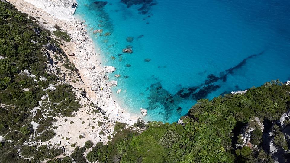 Una vacanza in Sardegna: quali sono le città da non perdere